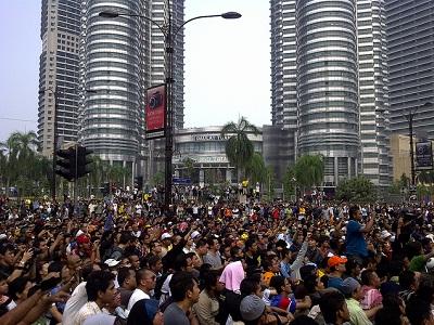 Malaysians at KLCC
